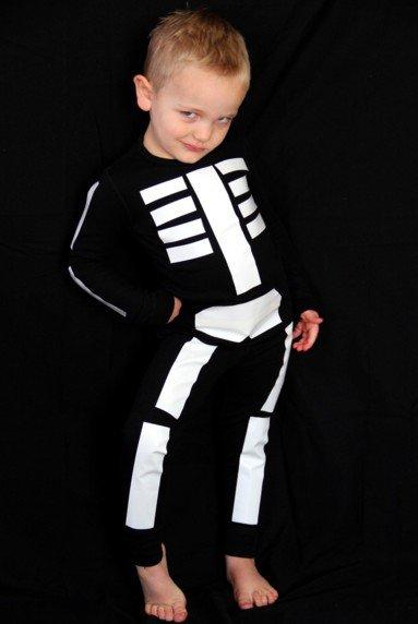 Simple Skeleton DIY Costume - Last Minute Costume Ideas