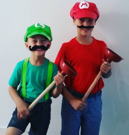 Mario & Luigi Last Minute Halloween Costume Ideas