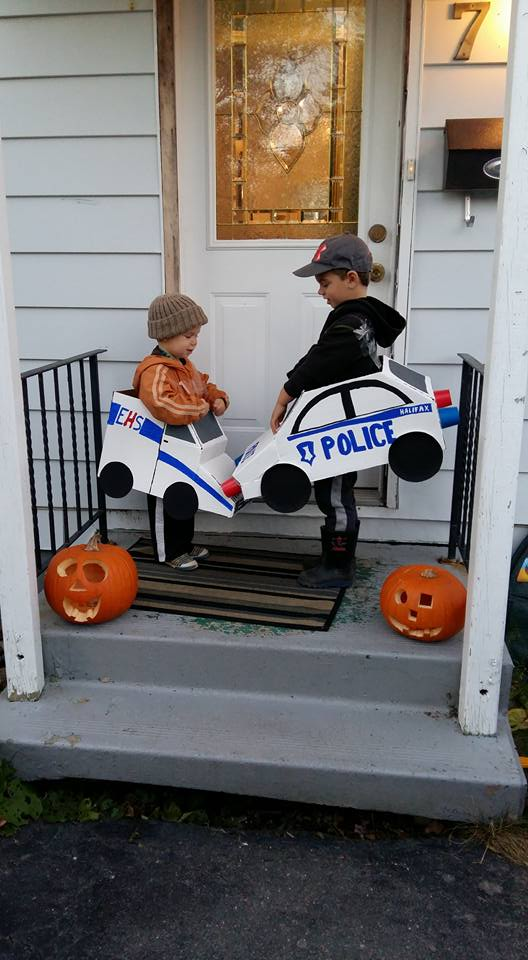 DIY cardboard box halloween costume ideas